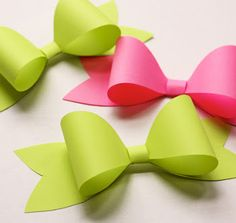 Printable template for perfect paper bows.  Super cute, super easy.