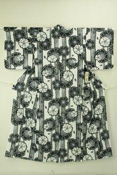 White yukata, hemp mix / 白地 墨色の染め鹿の子花柄 麻混浴衣 #Kimono #Japan http://www.rakuten.co.jp/aiyama/