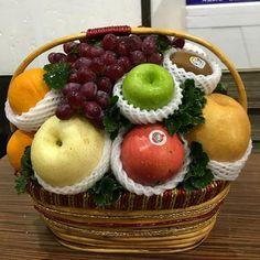 """24 """"Μου αρέσει!"""", 3 σχόλια - MCS Imported Fruits & Foods (@mcs_fruits) στο Instagram: """"preorder กระเช้าผลไม้ค่า #ขายดีมากก #กระเช้านี้ราคา 1,500฿ คะ #ผลไม้สดใหม่…"""""""