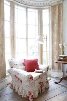 English Cottage Style - Ivy Clad: Perfect English