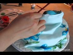Use gel food coloring and lemon extract to make edible fondant paint. Painting on Fondant: Eeyore Cake! Cake Decorating With Fondant, Cake Decorating Tutorials, Cookie Decorating, Fondant Cookies, Cupcake Cakes, Cupcakes, Edible Paint For Cakes, Airbrush Cake, Sculpted Cakes