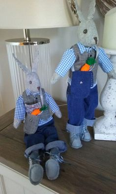 Alfie rabbits complete with carrots that I made. Soft Toys Making, Bear Doll, Rag Dolls, Stuffed Toys, Hobbies And Crafts, Quilting Ideas, Softies, Easter Bunny, Paper Flowers