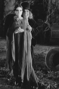 """vintagemarlene: """"lon chaney, london after midnight, lost film, 1927 """" Classic Monster Movies, Classic Horror Movies, Classic Monsters, Horror Films, Horror Art, Horror Icons, Horror Monsters, Scary Monsters, Famous Monsters"""