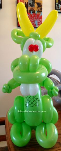 """Balloon Dragon inspired from Jeff Hayes' """"Muzzle Buddies"""" designs."""