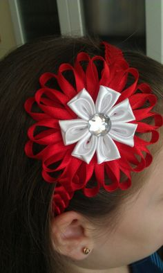 kanzashi Ribbon Flower Tutorial, Kanzashi Tutorial, Ribbon Art, Ribbon Crafts, Crazy Hats, Hair Decorations, Diy Hair Bows, Homemade Jewelry, Girls Bows