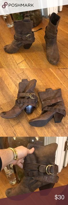 686924ff1a9 Brown leather boots Soft brown leather boots- worn but with a lot of life  left and just put new tread on the heel (approx Shoes