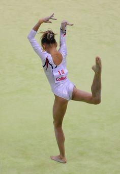 Viktoria Komova (832×1200)