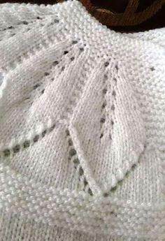 Leaf Lace Patterned Yoke ~~ Hızlı Ve Kol - Diy Crafts - Qoster Knit Baby Dress, Crochet Baby Clothes, Baby Cardigan Knitting Pattern, Baby Knitting Patterns, Vest Pattern, Knitting For Kids, Baby Sweaters, Knit Crochet, Diy Crafts