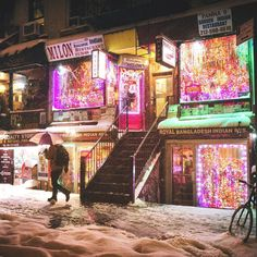 East Village New York City by Vivienne Gucwa @travelinglens   newyork newyorkcity newyorkcityfeelings nyc brooklyn queens the bronx staten island manhattan