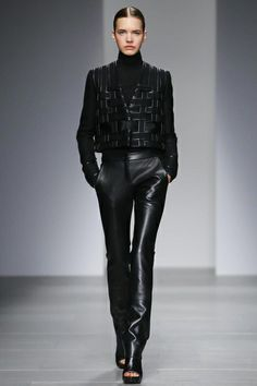 David Koma Ready To Wear Fall Winter 2014 London...Love the leather work!!! Imagine in the top with a full skirt.