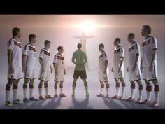 Mercedes-Benz WM 2014 TV-Spot: Bereit wie nie. Die deutsche Nationalmannschaft und die neue C-Klasse