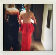 michelle williams going to the oscars with best friend Busy Phillips on the left