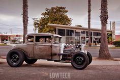 32' 5-window Ford Model A Coupe Hi-boy Rat Rod