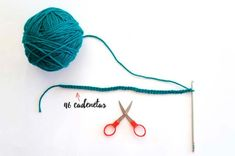 La guia definitiva para tejer un sueter raglan a crochet - Marina Torreblanca Blog Loom Knitting Projects, Baby Knitting Patterns, Crochet Patterns, Crochet Beach Dress, Crochet Girls, Knitting Abbreviations, Crochet Shoes, Bustier, Baby Dress