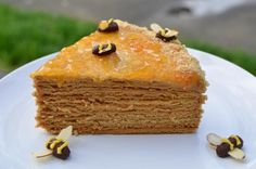 Russian Honey Cake This recipe. for the Honey Cake. always gets a lot of compliments. It is never dry. never becomes mushy and has a nice flavor of honey and caramel. View The Recipe Details Honey Recipes, Sweet Recipes, Cake Recipes, Dessert Recipes, Cream Recipes, Russian Honey Cake, Russian Cakes, Russian Red, Just Desserts