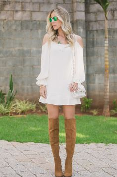 vestido ciganinha com bota over the knee