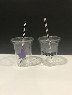Quiero compartir lo último que he añadido a mi tienda de #etsy: Fortnite Cups with lids and straw, fortnite Party cups, Fortnite Cups, Fortnite Party favor cups #fortnitefever #fortnitedecorations #fortnitefavors #fortnitebirthday #fortnitesupplies