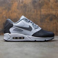 The Nike Air Max 90 Ultra SE Premium Men's Shoe updates an iconic profile with premium construction for lasting comfort.Perforated synthetic leather upper for ventilated supportIU midsole doubles as outsole for stability and comfort Visible Max Air heel unit for lightweight cushioningWaffle outsole with rubber in heel and toe for durable traction