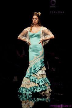 Wappíssima - Simof 2011 - Aurora Gaviño - Colección: CRISOL-Amalgama Flamenca Flamenco Dresses, Flamenco Costume, Spanish Dance, Spanish Fashion, Blue Green, Purple, Costumes, Sewing, Inspiration