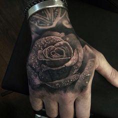 3D Rose mit Wassertropfen Tattoo