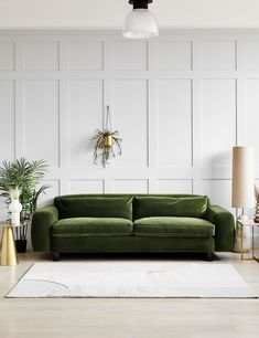Living Room Sofa, Home Living Room, Living Room Designs, Living Room Decor Green Couch, Green Velvet Sofa, Green Couches, Deep Sofa, Luxury Sofa, Sofa Design