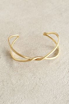 You're sure to be all wrapped up in this perfect double-band bangle bracelet…
