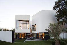 Mop House - Agi Architects