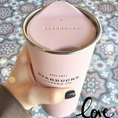Starbucks Pink Insulated Coffee Cup - Must have this! Copo Starbucks, Starbucks Drinks, Pink Starbucks Cup, Starbucks Coffee Tumbler, But First Coffee, My Coffee, Coffee Girl, Coffee Menu, Drink