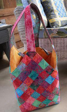Jayne's Quilting Room: Mondo Bag Quiltsmart Mondo Bag #sewing #quilting #handbag #totebag