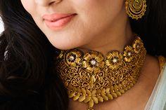 Azva handcrafted gold jewellery on Wedding Sutra bride Sharvari Gold Earrings Designs, Gold Jewellery Design, Necklace Designs, Gold Jewelry Simple, Silver Jewelry, Silver Rings, Gold Bangles, Bridal Jewelry, Fashion Jewelry