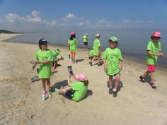 After working on their pastel drawings, campers got to play in the sand and build sand sculptures...and get sand in their shoes!