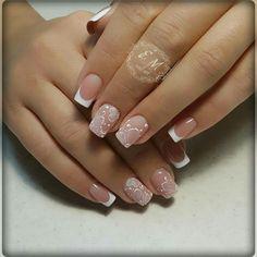 Classic french nails half moons unghie u Em Nails, Gelish Nails, Nail Manicure, Nail Tip Designs, Creative Nail Designs, Creative Nails, Acrylic Nail Shapes, Acrylic Nails, Bridal Nails
