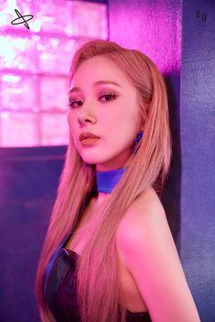 Kpop Girl Groups, Korean Girl Groups, Kpop Girls, K Pop, Photoshop, Yuehua Entertainment, Forever, K Idols, South Korean Girls