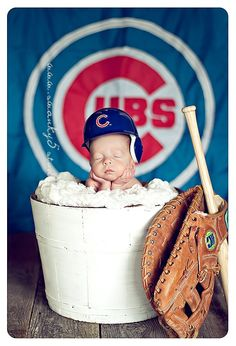 You're never too young to pick sides ... Go Cubs!