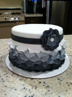 How To Make A Layered Petal Cake {CakeCentral} - Gorgeous!! <3
