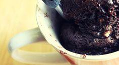 Low Carb Rezept für Protein-Low-Carb Tassenkuchen. Wenig Kohlenhydrate und einfach zum Nachkochen. Super für Diät/zum Abnehmen.