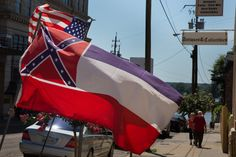 In Mississippi, defenders of state's Confederate-themed flag dig in - The Washington Post