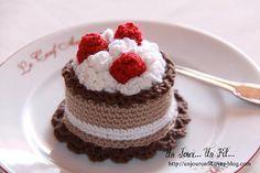 Hobbies To Relieve Stress Cupcake Crochet, Crochet Food, Crochet Crafts, Crochet Projects, Crochet Kawaii, Cute Crochet, Knit Crochet, Hobby Shops Near Me, Crochet Eyes