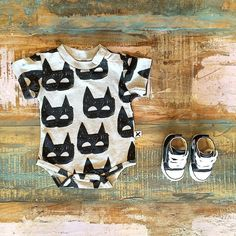 BABY • Minti SS15 heroes onesie (restocked!) & Converse Baby Chucks. We will have more of these baby shoes in stock at the end of the week & available for preorder in the next couple of days so stay tuned. Shop these styles at Tiny Style in Noosa & online •  www.tinystyle.com.au