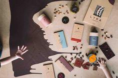 Najlepšia čokoláda na svete.  LYRA MANDALA získala ako prvá slovenská čokoláda zlatú hviezdu Great Taste na festivale v Londýne. O výrobu čokolády sa stará majster a zakladateľ Karol Stýbla, jeden zo štyroch ľudí na svete s prestížnym titulom Fino de Aroma Master Chef Chocolatier.