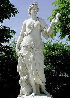 La Fidélité, d'après un dessin de Pierre Mignard, jardins de Versailles.
