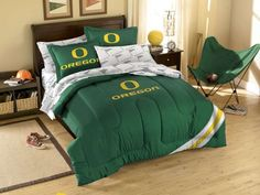 Oregon Ducks NCAA Comforter Set from bedding.com  #oregon #ducks #ncaa  Like this one better than the other one I pinned...