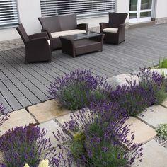 terasa z massaranduby, pískovcové desky / decking from massaranduba, sandstone plates