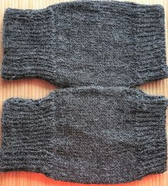 Hand-knitted wrist-warmers in grey pure alpaca for men and women