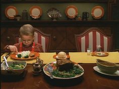 """""""Stuart Little:"""" A Small House with a Big Personality Wooden Dining Room Chairs, Kitchen Chairs, Jonathan Lipnicki, Brown Accent Chair, Stuart Little, Cozy House, Fine Dining, Eb White, Sweet Home"""