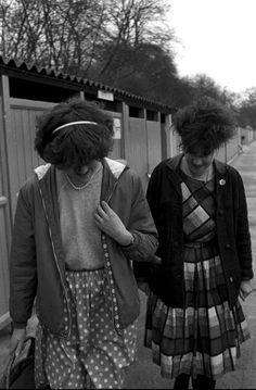 Tracey Thorn and Jane Fox of Marine Girls in London, 1981 by Janette Beckman