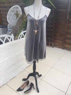 Le chouchou de ma boutique https://www.etsy.com/fr/listing/475388140/robe-velour-ras