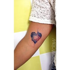 Love this geometric heart by Tania Catclaw; the lines make it look like a faceted gem