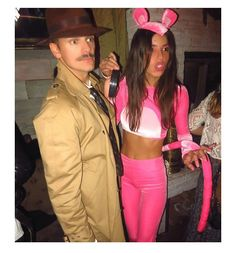 Set major this Halloween with the best DIY Couples Halloween Costumes. Try these Easy DIY Halloween Costumes for Couples with your partner. Cute Couple Halloween Costumes, Halloween Outfits, Sexy Couples Costumes, College Couple Costumes, Halloween Nyc, Pink Panther Costume, Pink Costume, Panthères Roses, Halloween Kleidung