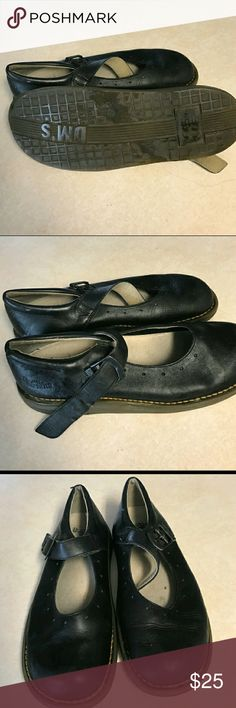 Woman's black Mary Jane dr. Martens  (Doc Martens) In good condition Dr. Martens Shoes Flats & Loafers